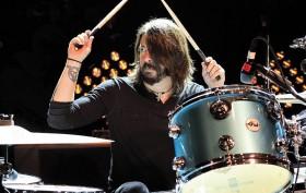 La batteria e la chitarra di Dave Grohl